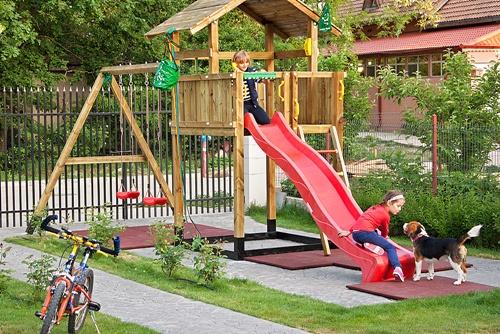 Jocul în aer liber este extrem de important pentru beneficiile pe care le aduce sănătății fiecăruia