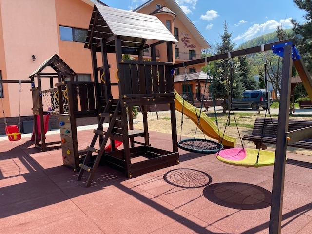Pensiunea Roua Munților Vadu Crișului, Bihor